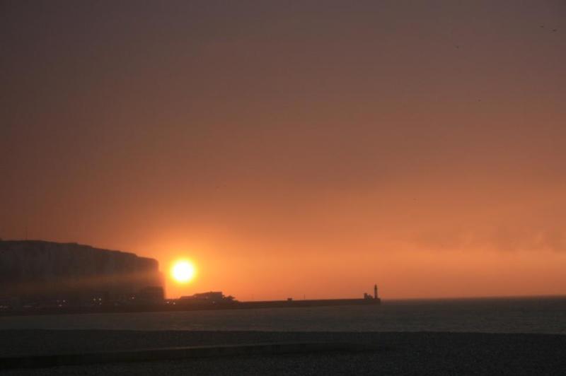 les plus belle photos de couchers de soleil - Page 6 31640310