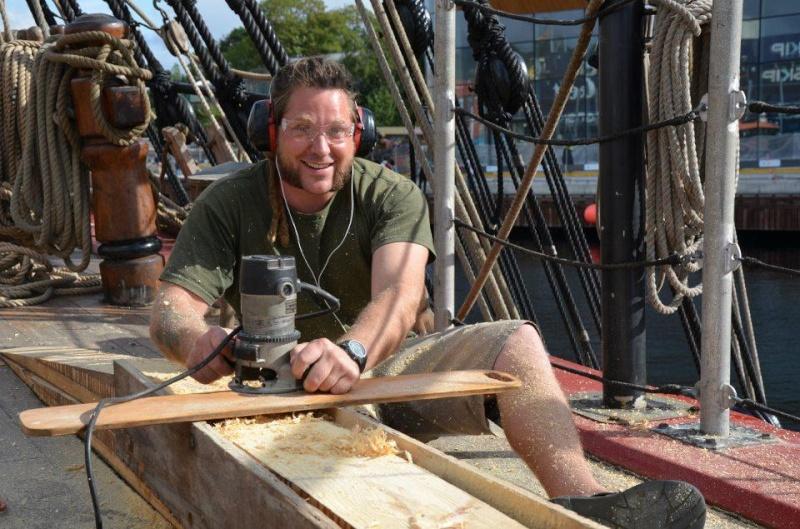 Les plus belle photos du HMS Bounty - Page 2 31697610