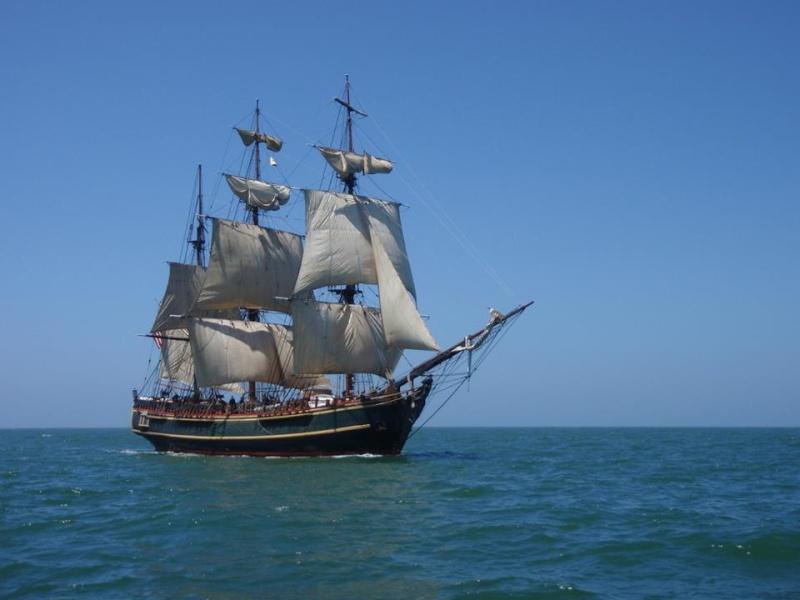 Les plus belle photos du HMS Bounty - Page 3 32086511