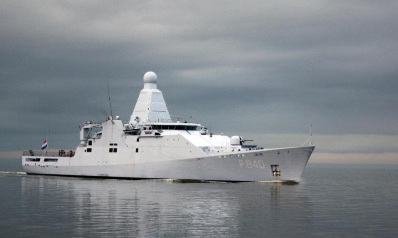 4 nieuwe patrouilleschepen - 4 nouveaux patrouilleurs - Page 4 38154010
