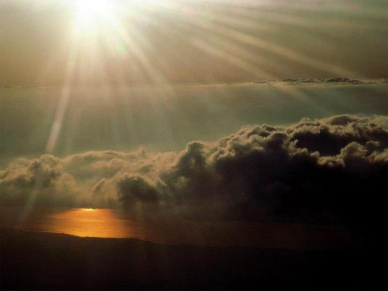 les plus belle photos de couchers de soleil - Page 4 39859410