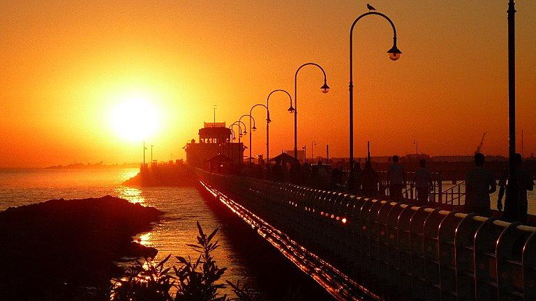 les plus belle photos de couchers de soleil - Page 6 40946610