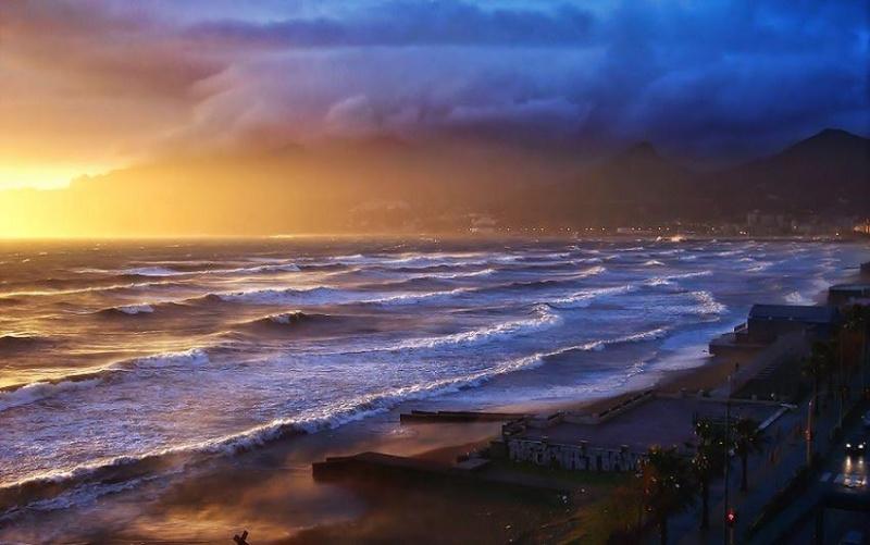 les plus belle photos de couchers de soleil - Page 3 54077610
