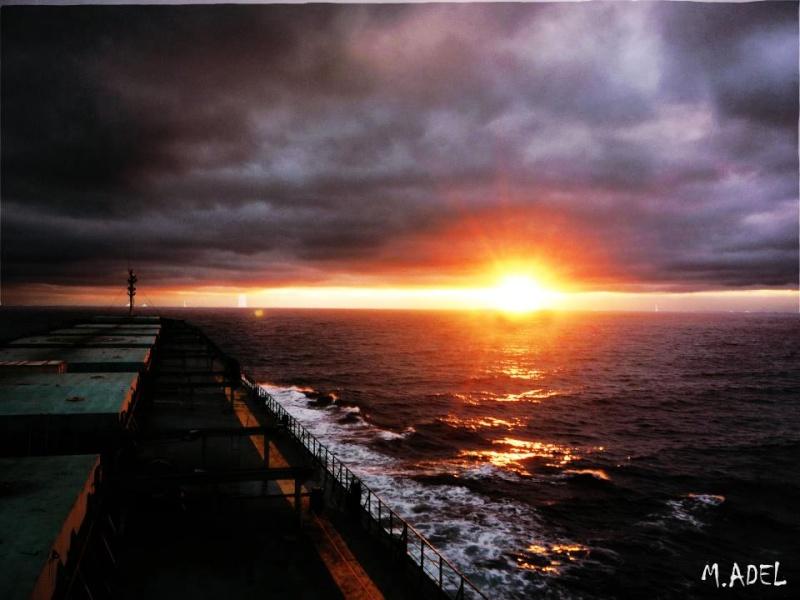 les plus belle photos de couchers de soleil - Page 8 54906110