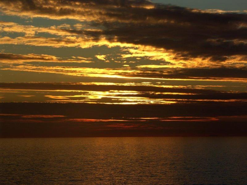 les plus belle photos de couchers de soleil - Page 3 55171310