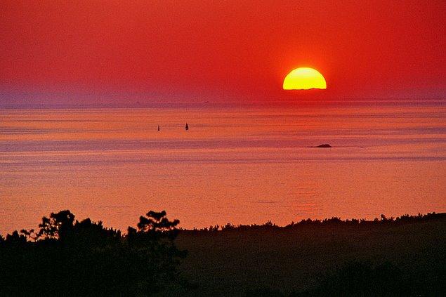 les plus belle photos de couchers de soleil - Page 6 55581310