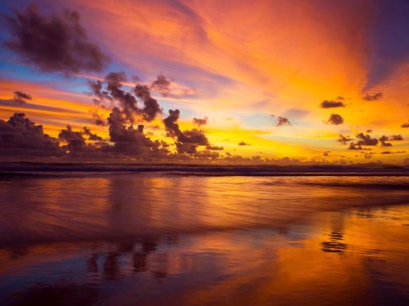 les plus belle photos de couchers de soleil - Page 6 55608210