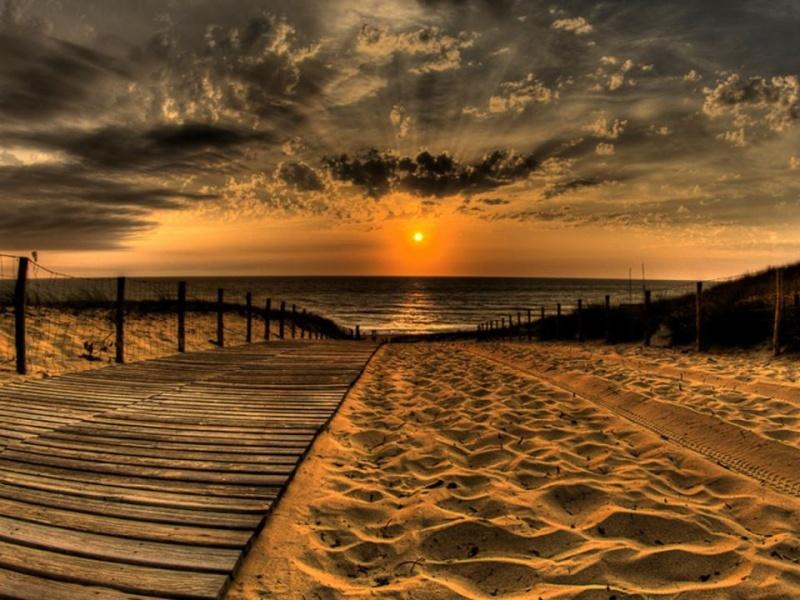 les plus belle photos de couchers de soleil - Page 8 55699610