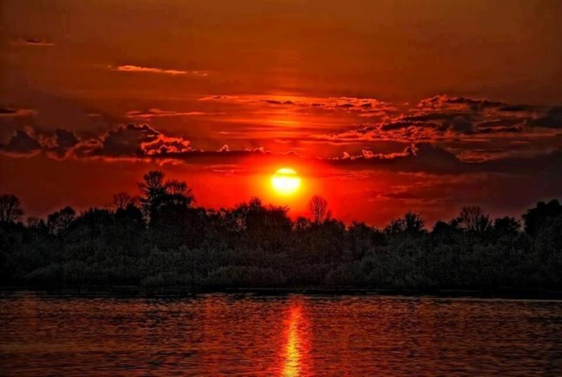 les plus belle photos de couchers de soleil - Page 3 56335810