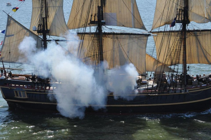 Les plus belle photos du HMS Bounty - Page 4 57816510