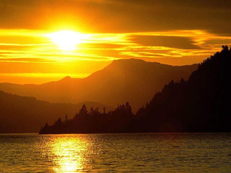 les plus belle photos de couchers de soleil - Page 3 58108510