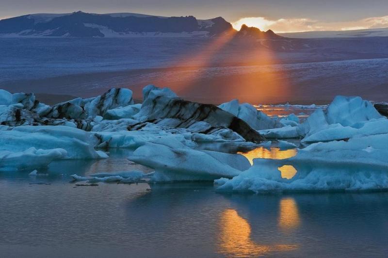 les plus belle photos de couchers de soleil - Page 3 58199410