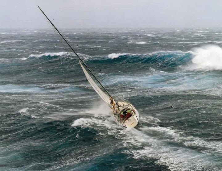 Photos d'accidents et de tempête en mer - Page 6 64673_10
