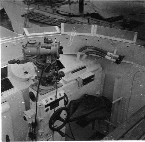 Schnellboot  ( Vedettes lance-torpilles) - Page 4 Cockpi10