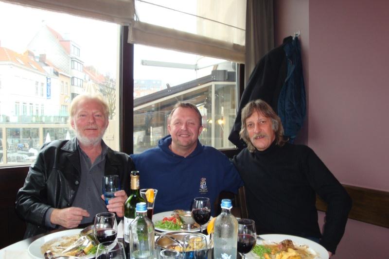 Distribution des Casquettes à Ostende le 11.11.2011 Dsc02631
