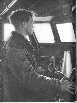 Schnellboot  ( Vedettes lance-torpilles) - Page 4 Helmsm10