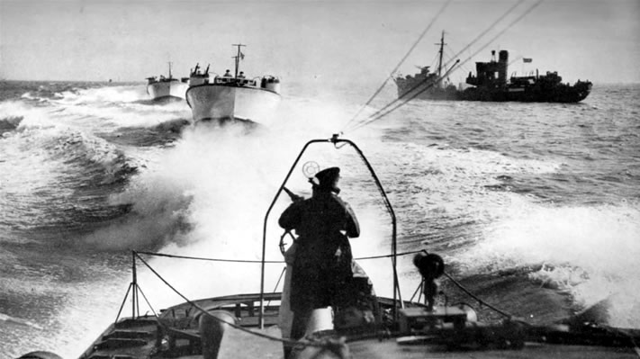 Vedettes lance-torpilles  (ROYAL NAVY) Hitche12