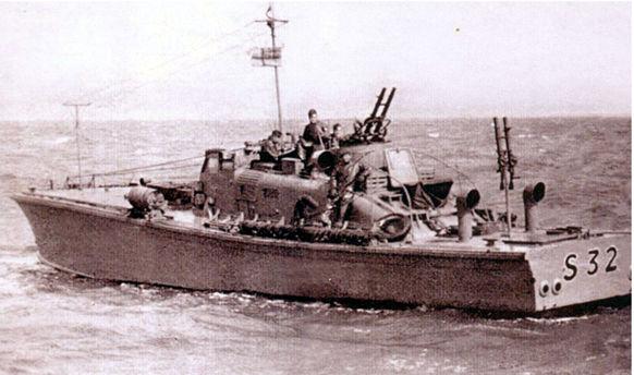 Vedettes lance-torpilles  (ROYAL NAVY) Masb2010