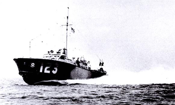Vedettes lance-torpilles  (ROYAL NAVY) - Page 2 Raf20a11
