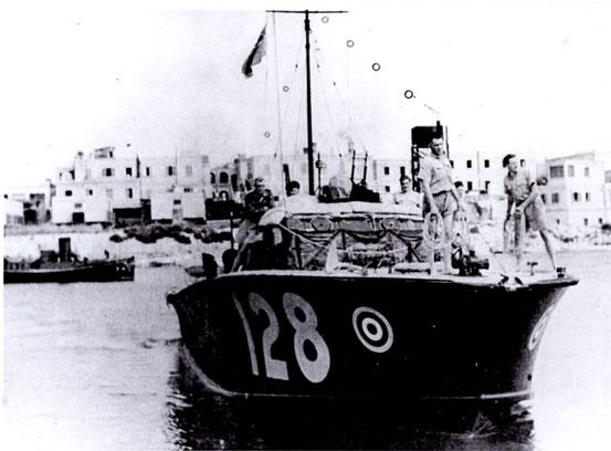 Vedettes lance-torpilles  (ROYAL NAVY) - Page 2 Raf20a12