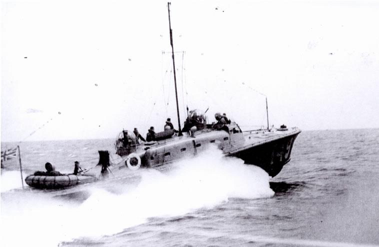 Vedettes lance-torpilles  (ROYAL NAVY) - Page 2 Raf20a20