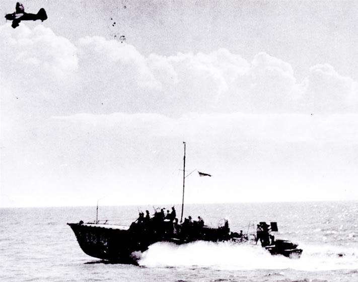 Vedettes lance-torpilles  (ROYAL NAVY) - Page 2 Raf20a24