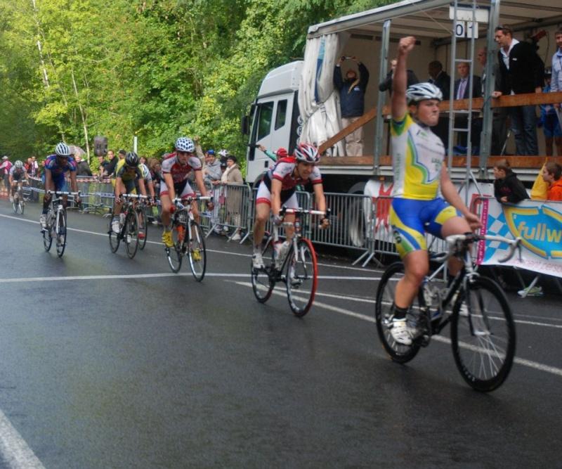Monthlery 18 septembre 2011 CIF 29899810