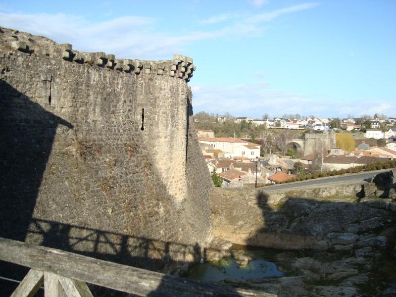 Ville, citadelle et château de Parthenay Dsc02412