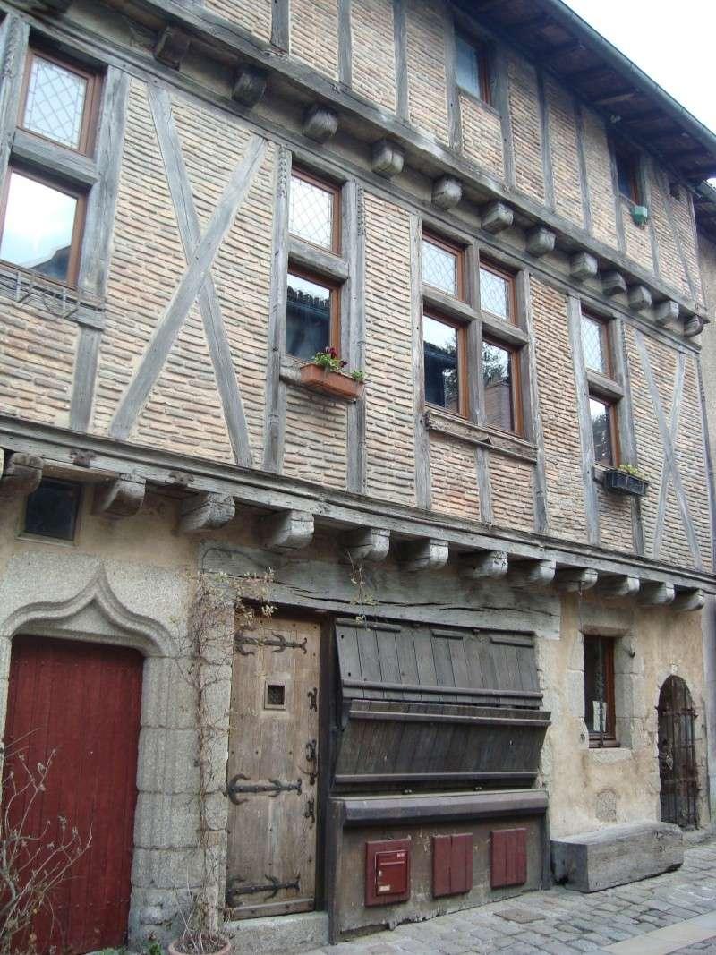 Ville, citadelle et château de Parthenay Dsc02426