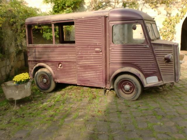 Présentation : H 1953 ex véhicule de livraison interne puis corbillard H_195311