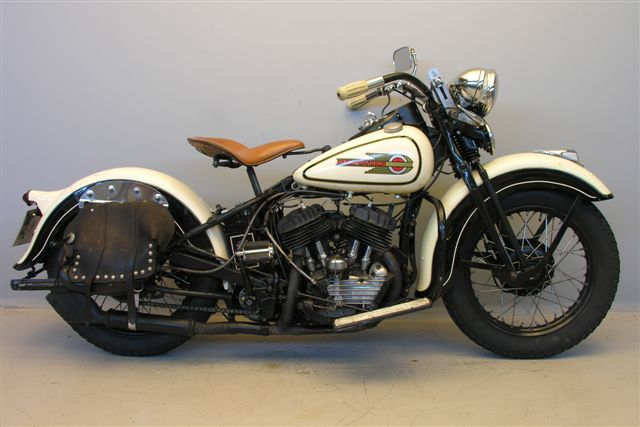 Vieille Meule Harley ? dans un clip video Harley10