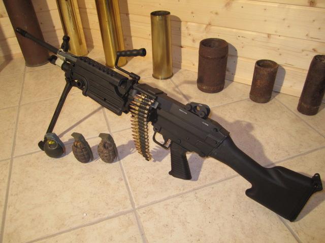 FN Minimi - Sac à munition 100 cps Minimi10