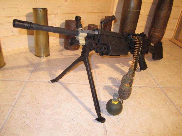 FN Minimi - Sac à munition 100 cps Minimi11
