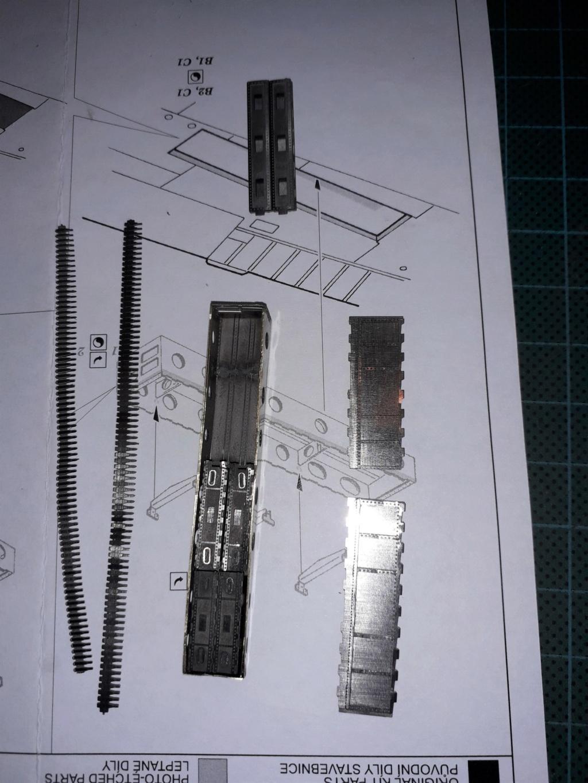 P 40 N Warhawk Eduard 1/32 20201026