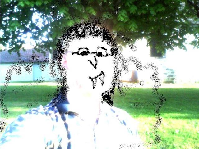 Une mystérieuse dame blanche photographiée dans une église - Page 3 Surexp10