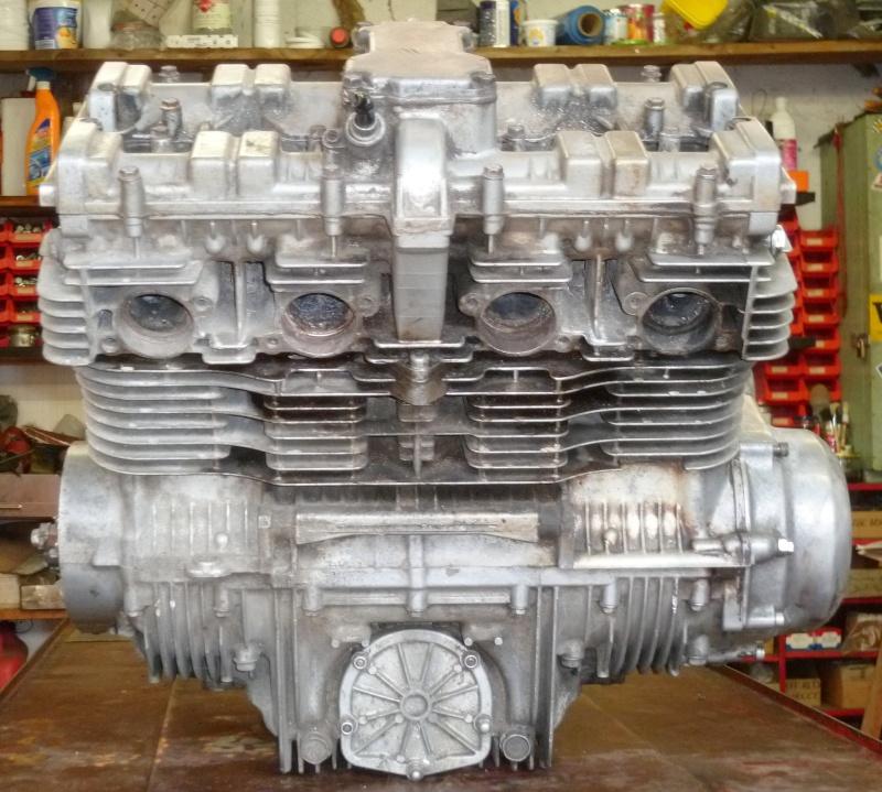 Reconstruction moteur GSX 1100 - Page 3 P1000626