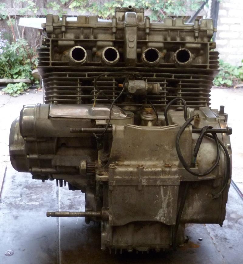 Reconstruction moteur GSX 1100 - Page 3 P1000628