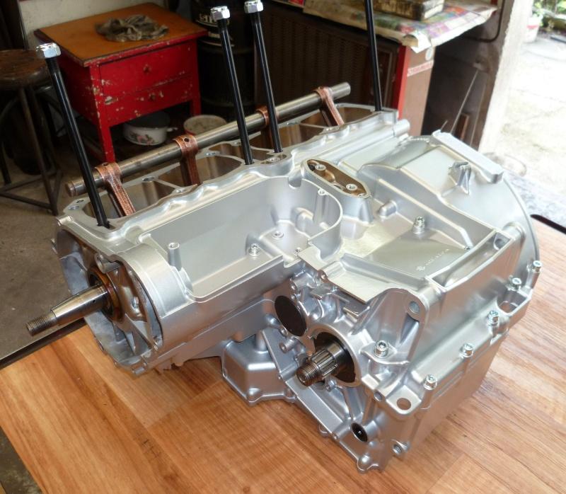 Reconstruction moteur GSX 1100 P1010614