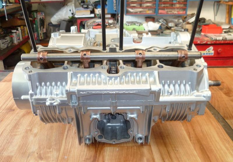Reconstruction moteur GSX 1100 P1010615