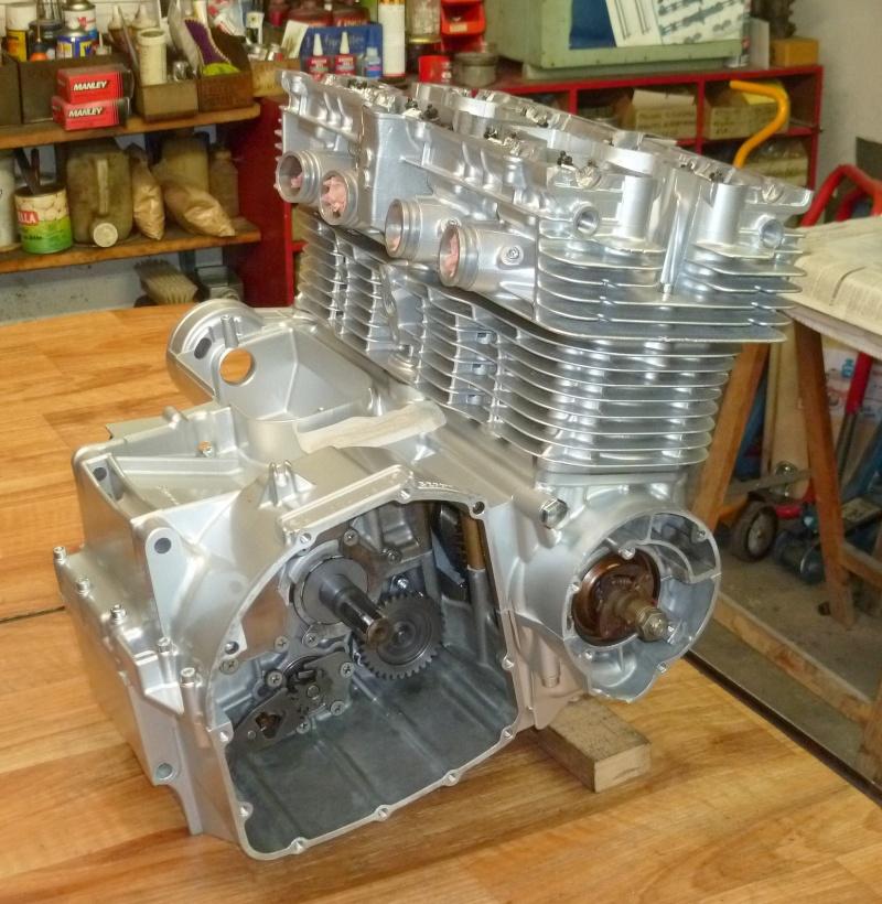 Reconstruction moteur GSX 1100 - Page 2 P1010720
