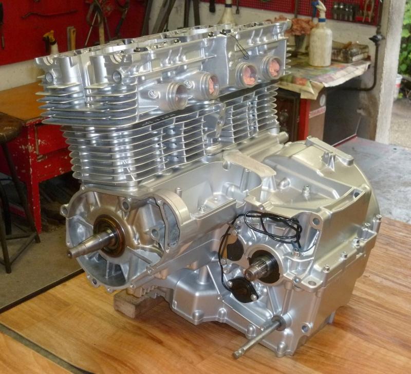 Reconstruction moteur GSX 1100 - Page 2 P1010722