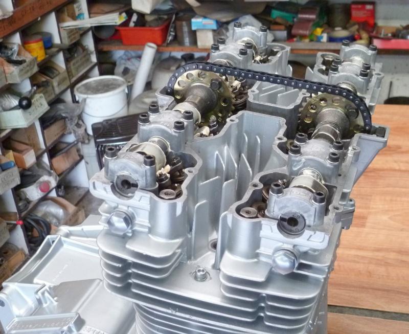 Reconstruction moteur GSX 1100 - Page 3 P1010723