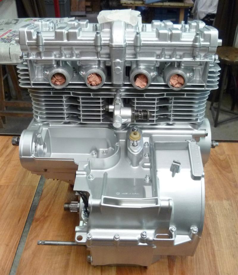 Reconstruction moteur GSX 1100 - Page 3 P1010725