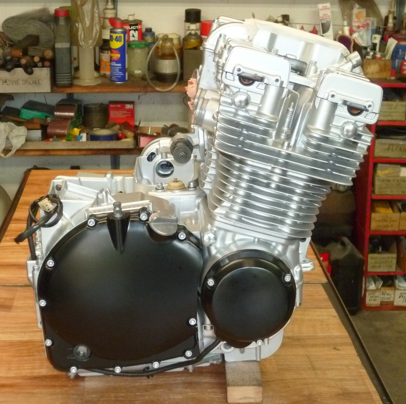 Reconstruction moteur GSX 1100 - Page 3 P1010727