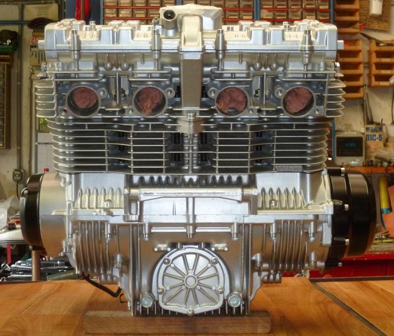 Reconstruction moteur GSX 1100 - Page 3 P1010728