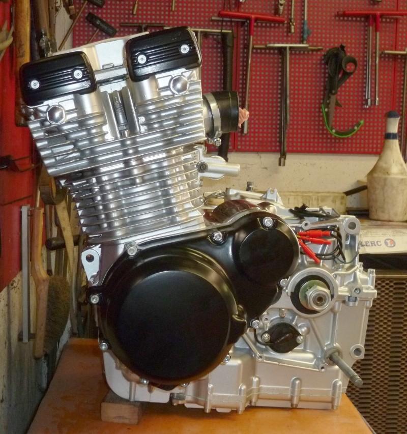 Reconstruction moteur GSX 1100 - Page 3 P1010729