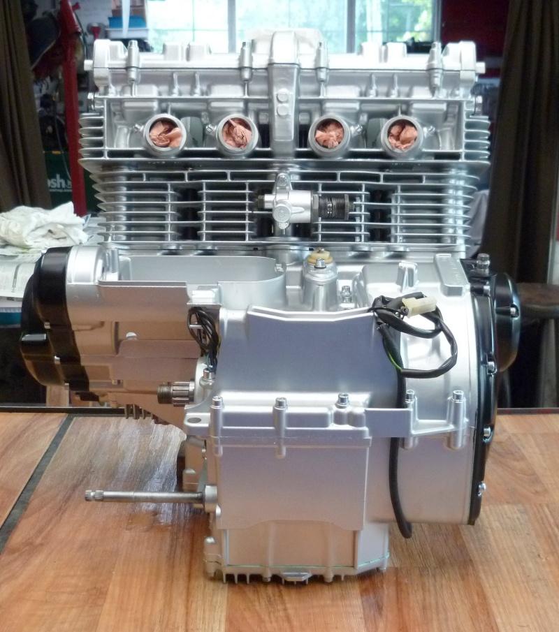 Reconstruction moteur GSX 1100 - Page 3 P1010730