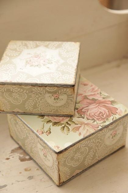 Les boites dans la maison . - Page 40 Boxs_b10