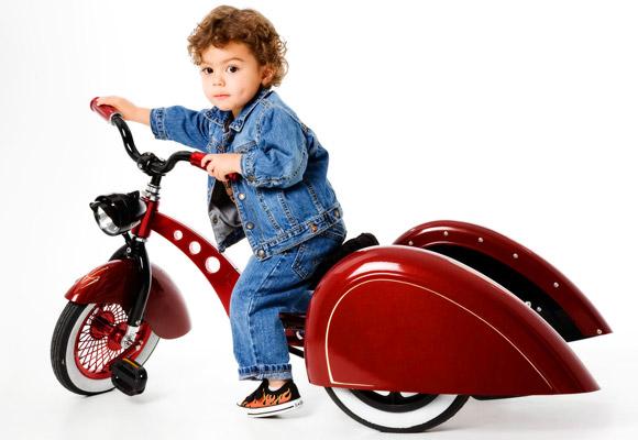 Basé sur l'ordre alphabétique, des noms de voitures, camions, dragsters, vélos, motos, tracteurs, bref tout ce qui roule !... - Page 5 Enzo_t10