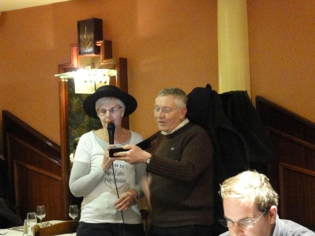 Karaoké au café de Paris le mardi 6 décembre 2011 Dsc01325